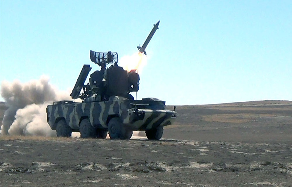 Hava hücumundan müdafiə bölmələri döyüş atışları icra edib - VİDEO