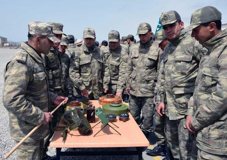 Azərbaycan-Türkiyə birgə taktiki təlimlərində istifadə ediləcək silahların, hərbi və xüsusi texnikanın nümayişi keçirilib