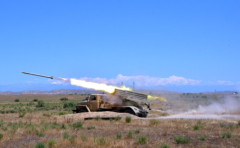 Raket və artilleriya birləşmələri praktiki atışlar icra edib