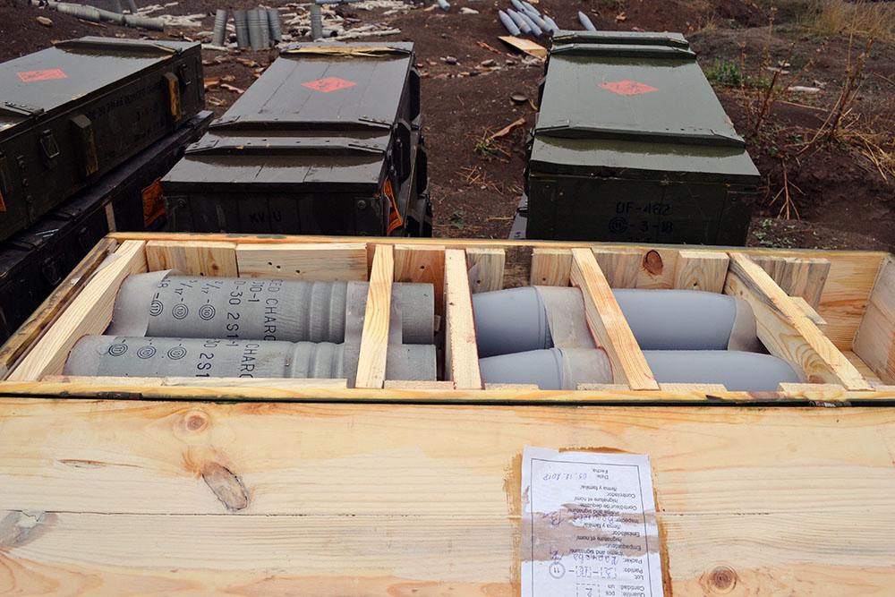 Iran điều hàng trăm xe tăng, sẵn sàng tiếp ứng Armenia - Lộ diện vũ khí giội bão lửa xuống căn cứ Azerbaijan ở Ganja? - Ảnh 6.