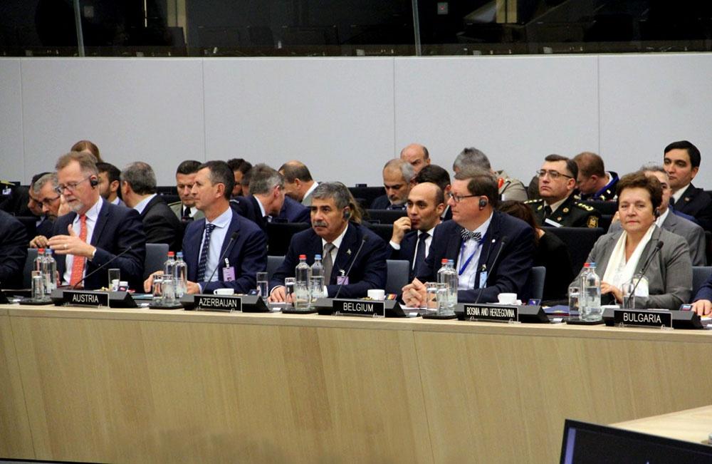 Azərbaycanın Müdafiə naziri NATO-nun toplantısında iştirak edib