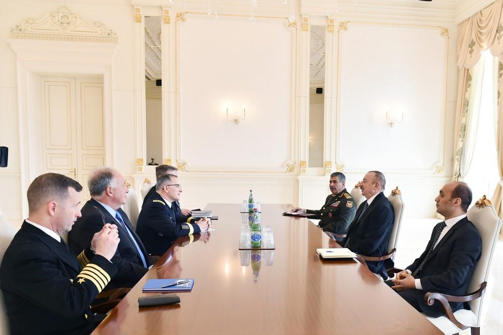 Prezident İlham Əliyev NATO-nun Avropada Müttəfiq Qüvvələrinin Ali Baş Komandanının başçılıq etdiyi nümayəndə heyətini qəbul edib