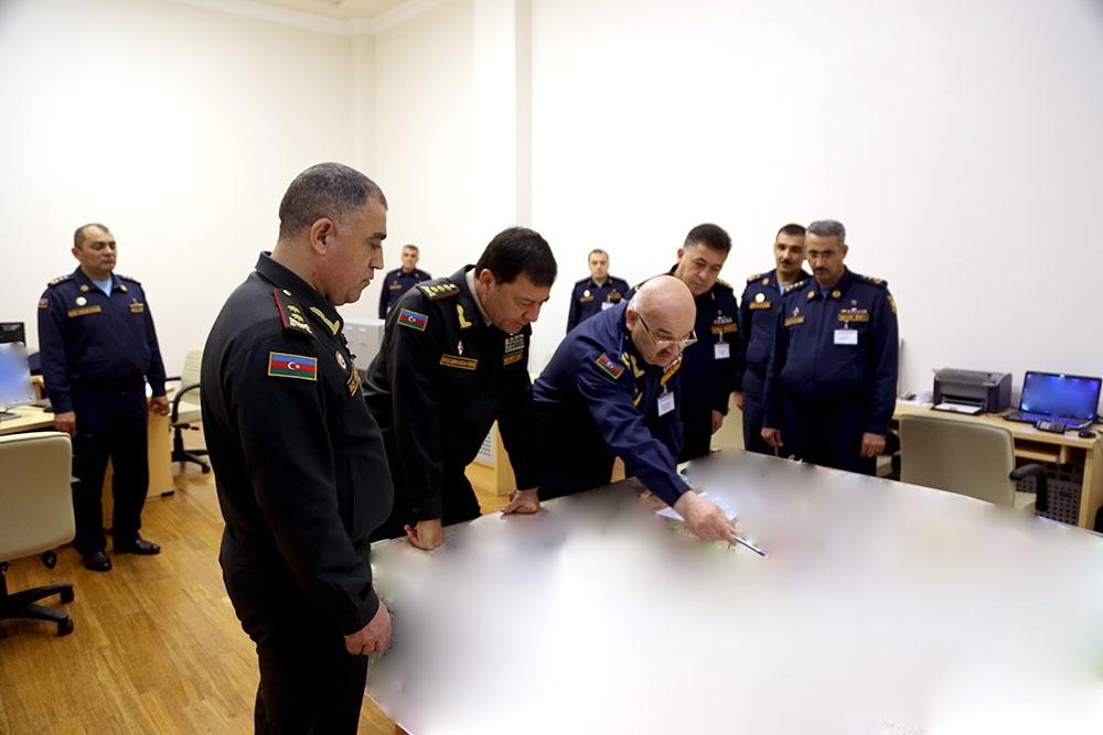 Baş Qərargah rəisi hərbi oyunların idarəetmə məntəqələrinin fəaliyyətini izləyib