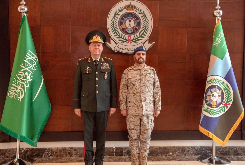 Azərbaycan və Səudiyyə Ərəbistanı orduları arasında əlaqələrin inkişaf perspektivləri müzakirə edilib