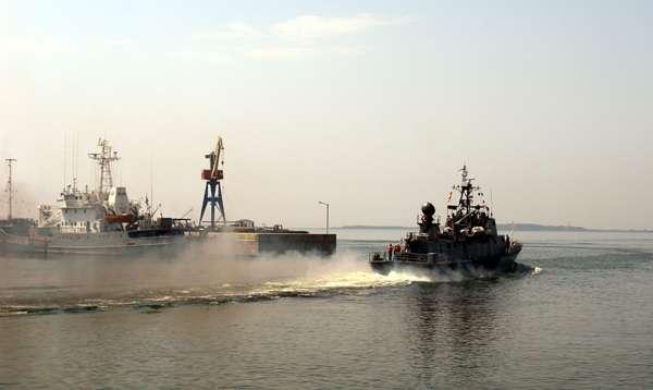 Ukrayna donanması Rusiyaya təslim oldu